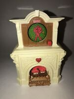 FISHER PRICE LOVING FAMILY DOLLHOUSE LIght Up Seasonal FIREPLACE Works 2010 Work