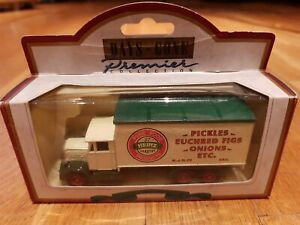 "DIE CAST LLEDO DAYS GONE 1937 SCAMMEL 6 WHEELER ""HEINZ PICKLES MODEL NO 44011"