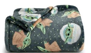 Baby Yoda Plush Throw Blanket Oversized 5 x 6 feet Star Wars The Mandalorian