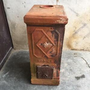 Antica stufa camino a legna anni 40 in cotto terracotta Felici Prato mod. 48