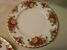 ROYAL ALBERT OLD COUNTRY ROSE - BREAD PLATE 6.25""