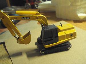 John Deere Excavator * ERTL * 1:64 Diecast * Construction * Yellow *