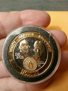 Alcoholics Anonymous 6 Year Bi-Color Medallion in plastic case