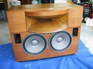 Pioneer/TAD 2401. TSM-1 Classic, Large Monitor Speaker System. Wood Horn. Rare!!