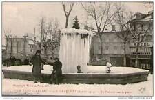 CPA 81 - GRAULHET - LA FONTAINE SOUS LA GLACE EN 1914 - PERSONNAGES AU 1ER PLAN