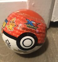 Blind Pokemon Pokeball with figure (color: White and Red)