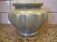 Haeger Sage Green Speckled Planter Flower Vase Round Fluted Sides