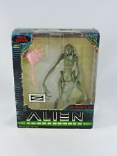 Newborn Alien 8-in figure ALIEN RESURRECTION Movie Edition NEW Signature aliens
