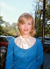 8b20-4270 beautiful Anne Francis out for the day 8b20-4271