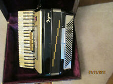 Accordion Vogue 120 bass 17 inch keyboard LMH good condition some discolor keys
