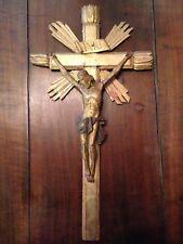 XVIIIe Jésus Christ Bois doré Croix Crucifixion Art religieux crucifix sculpture