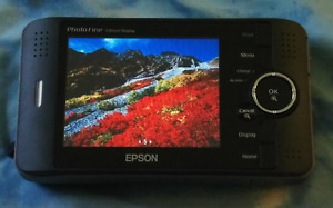 Epson P-4000 Picture Viewer with Case and Charger