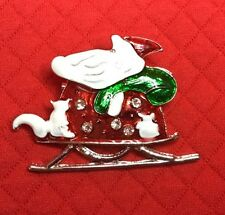 ATRACTIVE CHIC CHUNKY RED WHITE AND GREEN, CHRISTMAS PIN BROCH