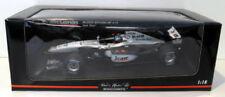 Modellini statici di auto da corsa in argento McLaren Scala 1:18