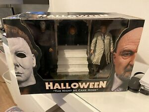 Neca Halloween Figure set : The Night he came home Still Sealed - Rare