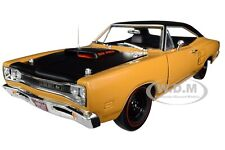 "1969/5 DODGE CORONET SUPER BEE ""CLASS OF 1969"" 1/18 MODEL CAR AUTOWORLD AMM1172"