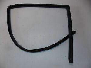 BMW E36 Right Rear Window Channel Seal Guide Sedan OEM 92-98 318 323 325 328 M3