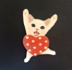 Cute heart Polka Dot Persian Kitten Cat Cuddle Kitsch Acrylic Brooch Novelty