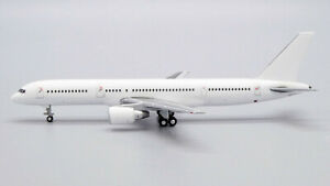Blank/White Boeing 757-200 PW Engines JC Wings JC4WHT2026 BK2026 Scale 1:400