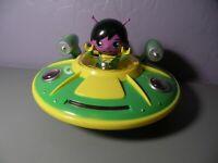 Ryans World RED//SILVER UFO spaceship vehicle LIGHTS UP SOUND GREEN ALIEN FIGURE