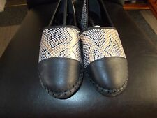 UNBRANDED BLACK AND GOLD SHOES SIZE 5