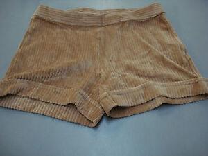 NWOT Women's Hue Wide Wale Corduroy Shorts Size Small Camel #430A
