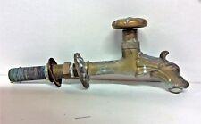 Robinet de fontaine en bronze style 19ème larg 5 haut 10 prof 16cm millieu 20ème