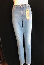 "BNWT Levi`s 711 Ladies Skinny Jean. Size 33"" W x 32""L. SAVE £50!"