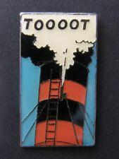 pin's TOOOOT , signé CORNER n°75 - dim : 20x35 , hergé, tintin , bd