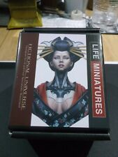 1/10th LIFE MINIATURES - resin female cyborg bust - Queen