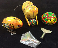 Set of 3 vintage wind-up Tin Toys Cat w/ ball Chicken Hen Turtle plus keys China
