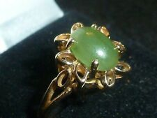 10K SOLID YELLOW GOLD CHRYSOPRASE CABOCHON GEMSTONE RING - SIZE 6 - 2.60 GRAMS