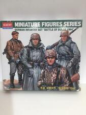 """GERMAN SS INFANTRY """"BATTLE OF THE BULGE 1944"""" ACADEMY 1377 unassembled kit 1/35"""