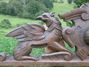 GOTHIC 19thc ARCHITECTURAL OAK CARVED PEDIMENT WITH WINGED GARGOYLES SHELL TOP