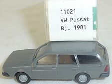 Anthracite VW Passat Année 1981 IMU MODÈLE EUROPÉEN 11021 H0 1:87 #HO 1 å