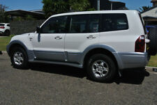 Four Wheel Drive Petrol Pajero Passenger Vehicles