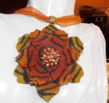 Tiger Stripe Orange Flower FW Pearls Pendant Plastic Gold t Necklace R 7h 50