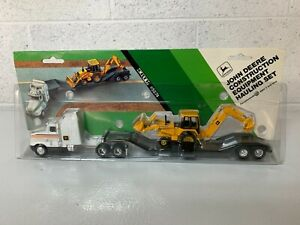 John Deere Construction Equipment Hauling Set ERTL #5574 1991