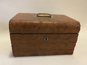 Vintage English Leather Jewllery Box