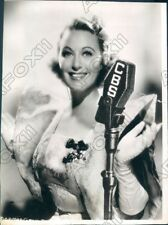 1938 Actress Grace Moore in Radio Theaters Enter Madame Press Photo