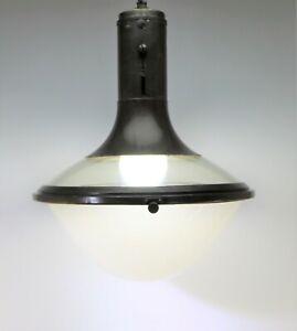C.P. Goerz Berlin Bauhaus Deckenlampe Glas und Messing Industrie Design -21033–