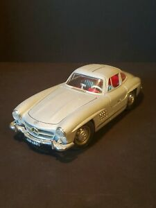 Burago 1954 Mercedes Benz 300 SL 1/18 Diecast Made in Italy