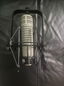 Electro-Voice  Broadcast Announcer Microphone (RE20) w/ShockMount