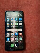 Huawei P30 Pro - Black  screen cracked.