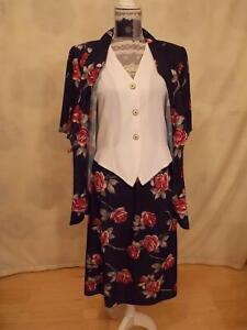 2 part Suit size 12    flowers Short sleeve Collared Navy Blue