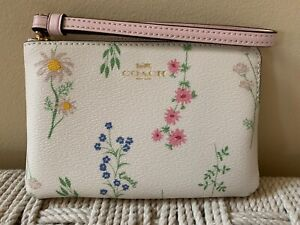 💙 COACH Wristlet Spaced Floral White Pink Print Mother's Day Bag Clutch NWT