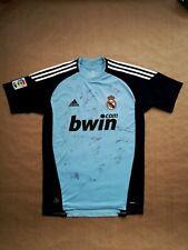 Real Madrid 2010-11 signed Camiseta Casillas