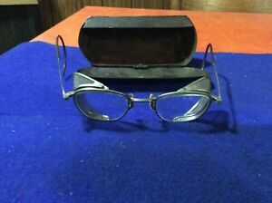 Old, AO AMERICAN OPTICAL SAFETY GLASSES/GOGGLES SIDE SHEILDS & metal Case