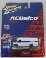 Johnny Lightning 1:64 Hobby Exclusive 1990 GMC Step Van ACDelco (White/Blue)