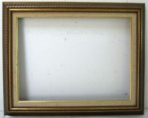 VINTAGE FLUTED WOOD FRAME FOR PAINTING 16 X 12  INCH OUTSIDE 20 X 16 INCH